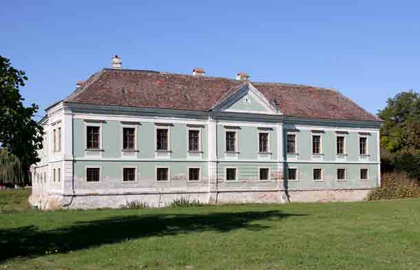 Picture of the Schmida castle.